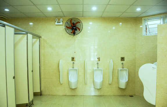 thi công vách ngăn vệ sinh