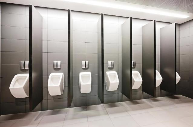 Vách ngăn nhà vệ sinh tại TP HCM